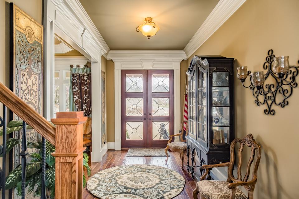 1310-longwood-park-$1,387,000-clubside-living-oconee-springs-courtyard-homes-house-for-sale-georgia-club-athens-sarah-lee-realtor-entryway.jpg