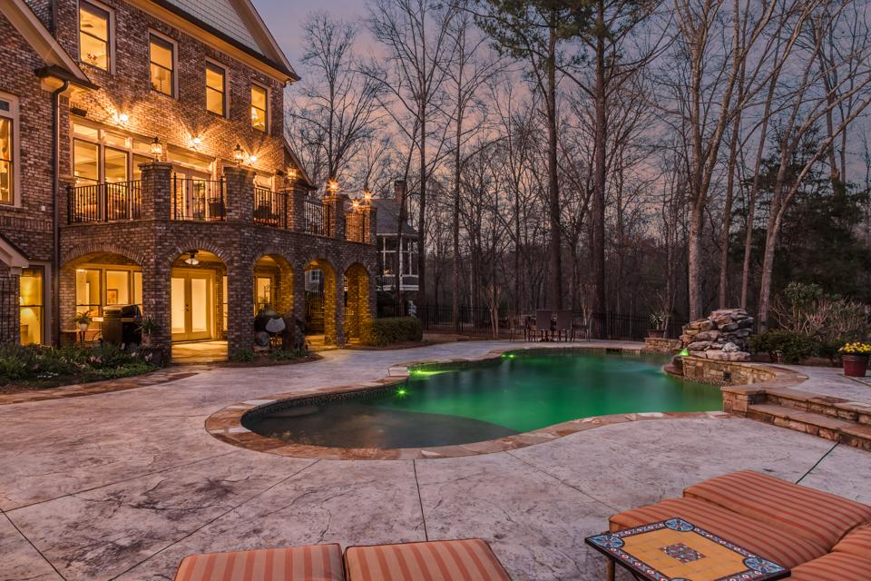 1310-longwood-park-$1,387,000-clubside-living-oconee-springs-courtyard-homes-house-for-sale-georgia-club-athens-sarah-lee-realtor-pool-living-area.jpg
