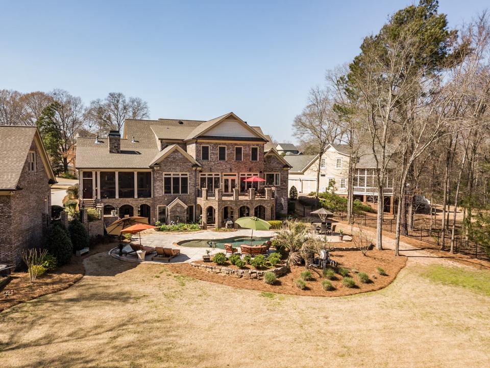 1310-longwood-park-$1,387,000-clubside-living-oconee-springs-courtyard-homes-house-for-sale-georgia-club-athens-sarah-lee-realtor-pool-living-area-back-yard-view.jpg
