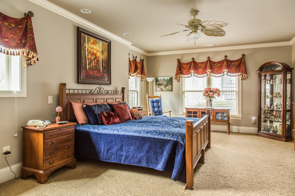 1310-longwood-park-$1,387,000-clubside-living-oconee-springs-courtyard-homes-house-for-sale-georgia-club-athens-sarah-lee-realtor-bedroom-2.jpg
