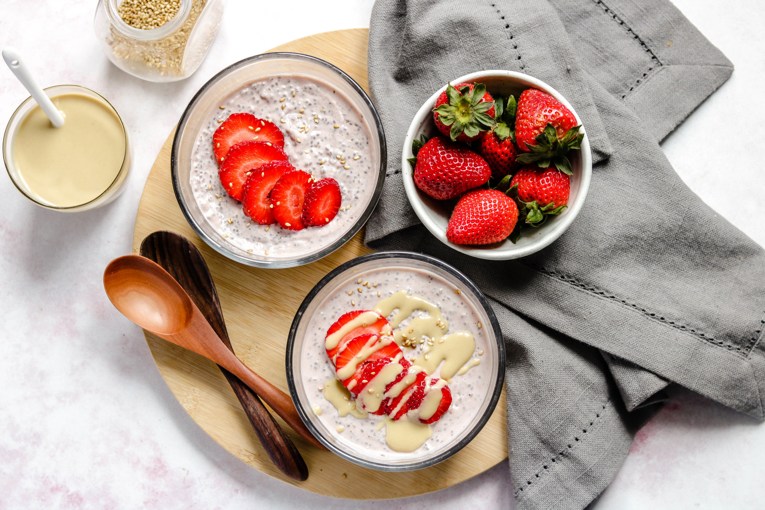 strawberry tahini chia pudding vegan -12.jpg