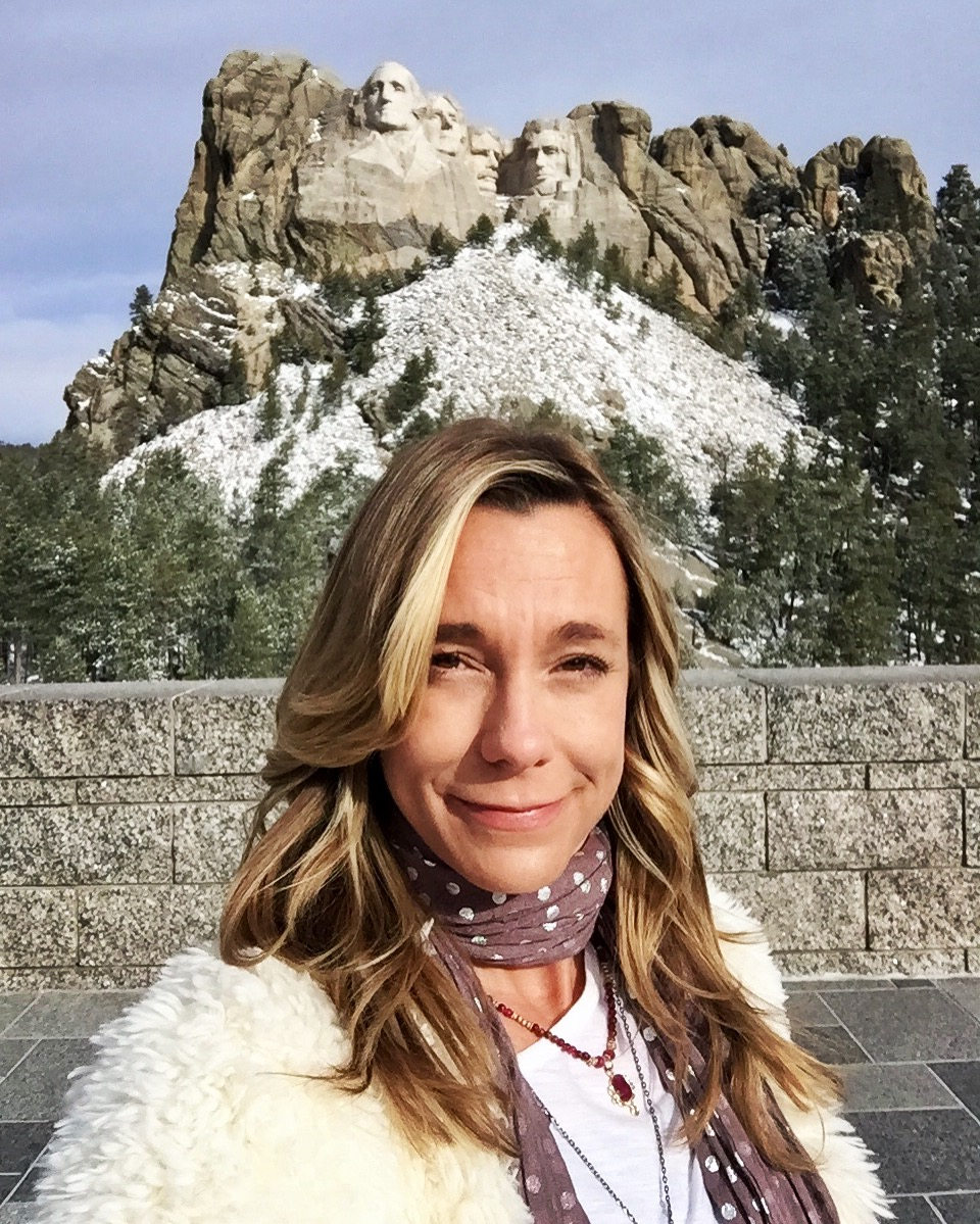 On the road Rushmore2 apr2017.JPG