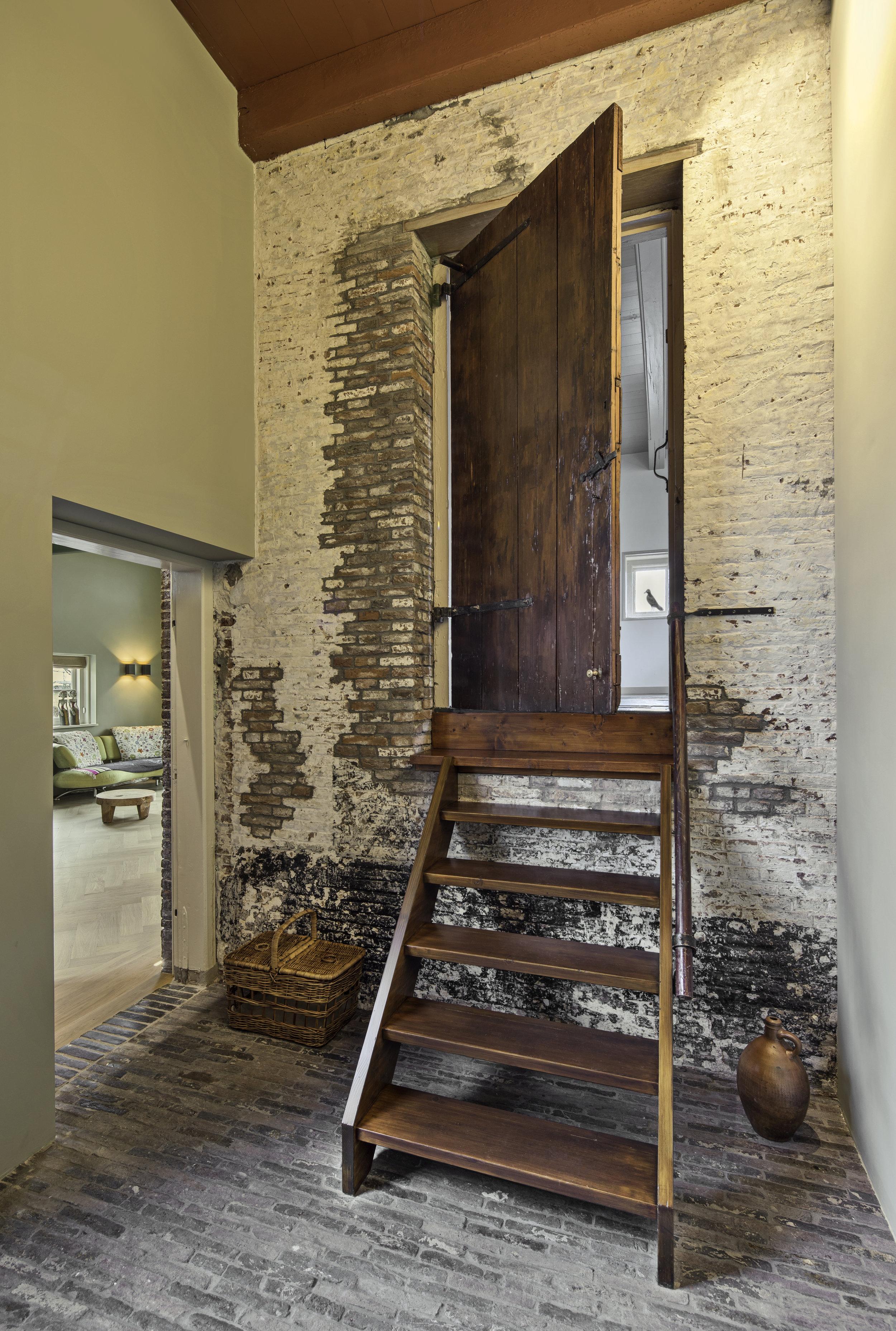 Oude deur opkamer koetshuis