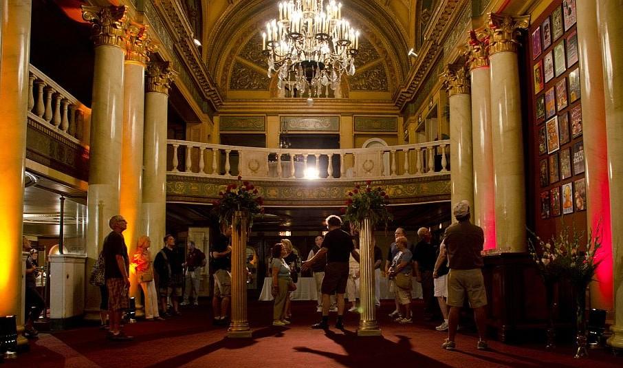 preservation-detroit-fillmore-theater-theatre-tour.jpg