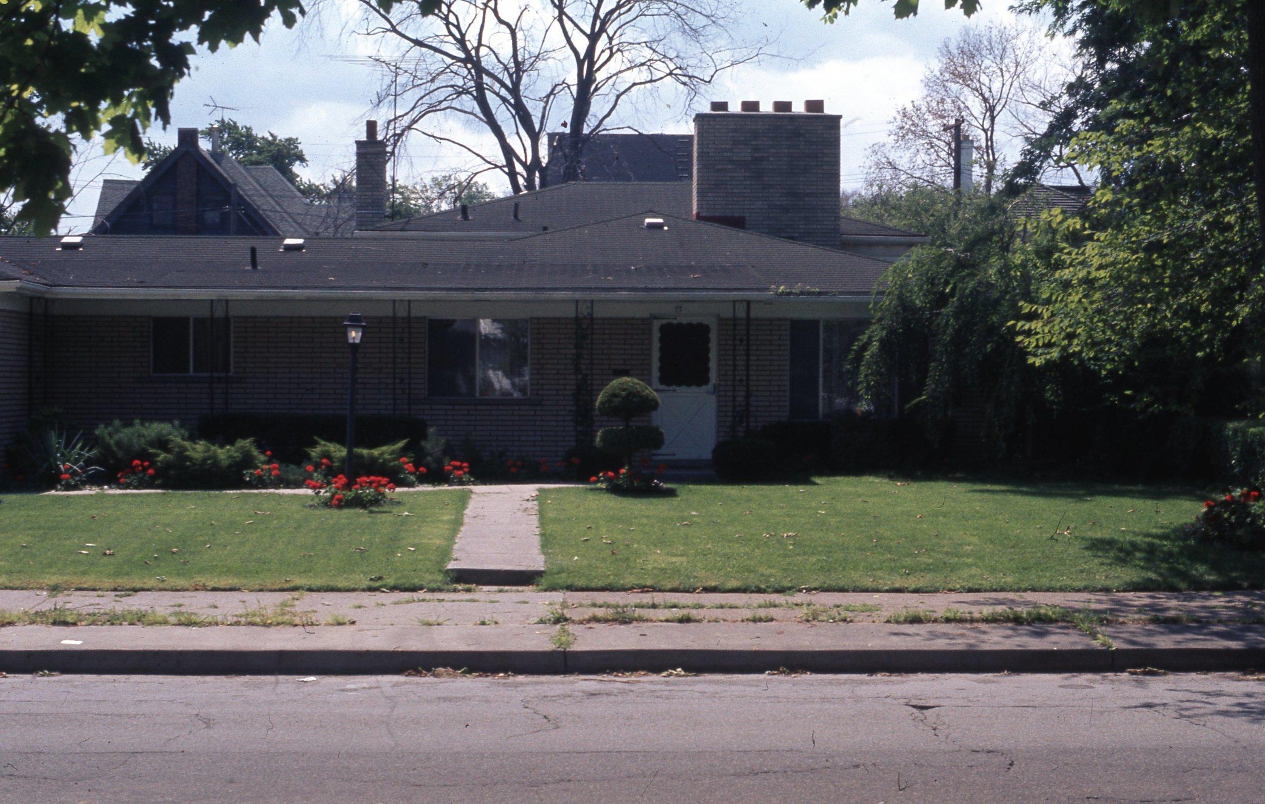 77 W. Chicago 1974.jpg
