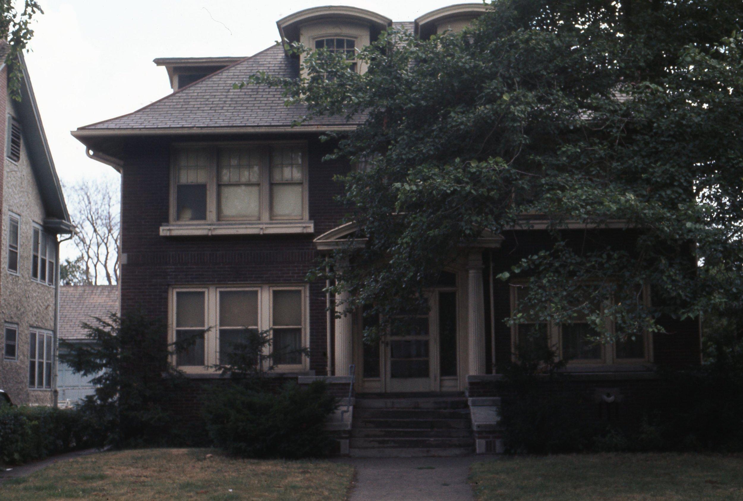 925  W. Chicago 1974.jpg