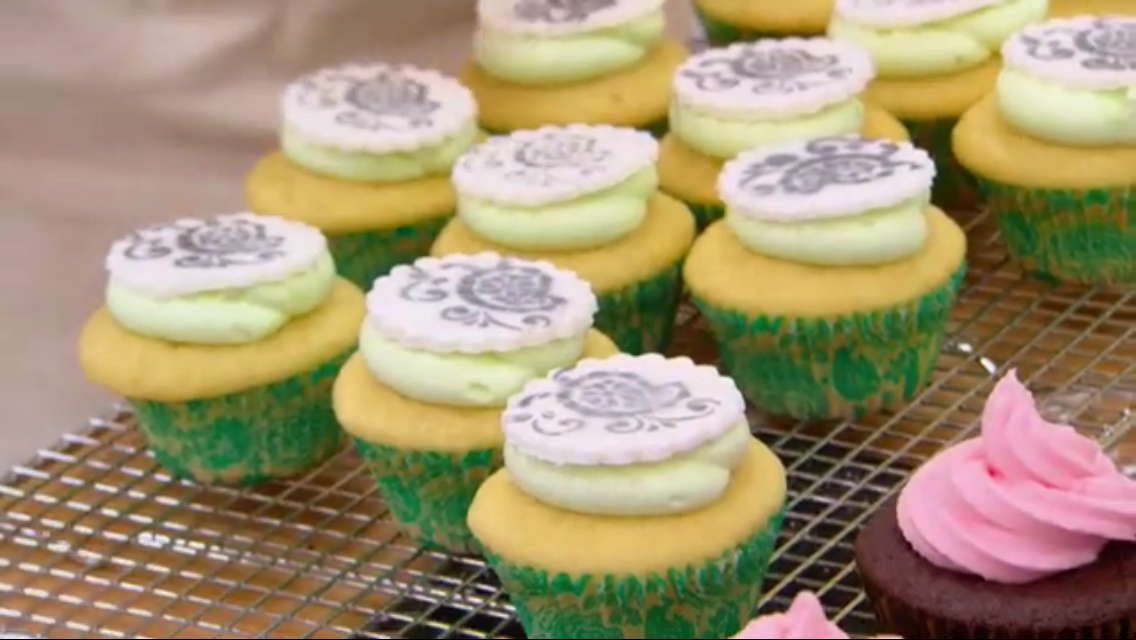 Key Lime Coconut & Chocolate Rose Cupcakes
