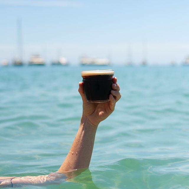 Keep yo drink above water for optimal taste 🍻
