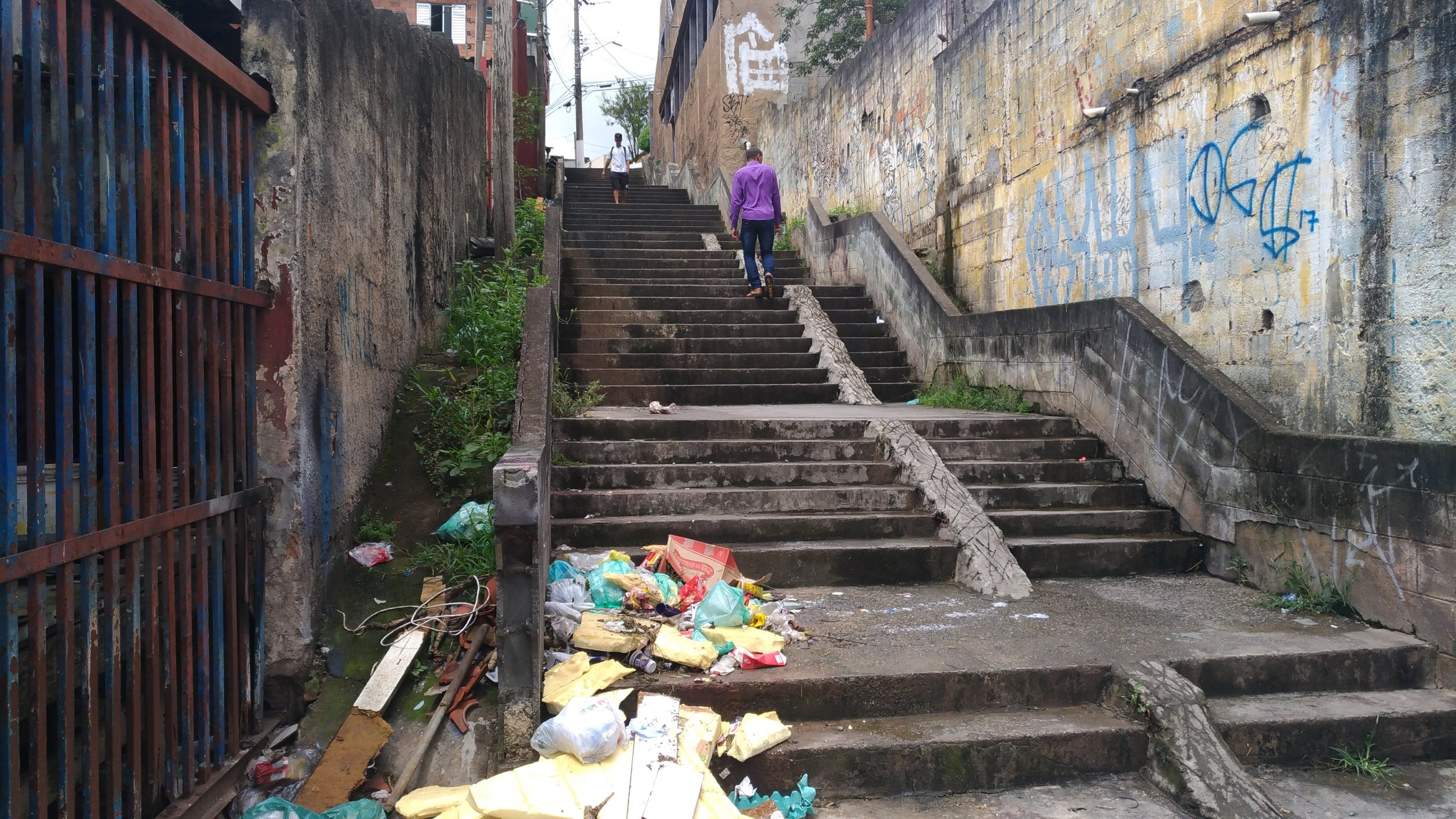 This public staircase serves as a connector in the city. Credit: Cidade Ativa