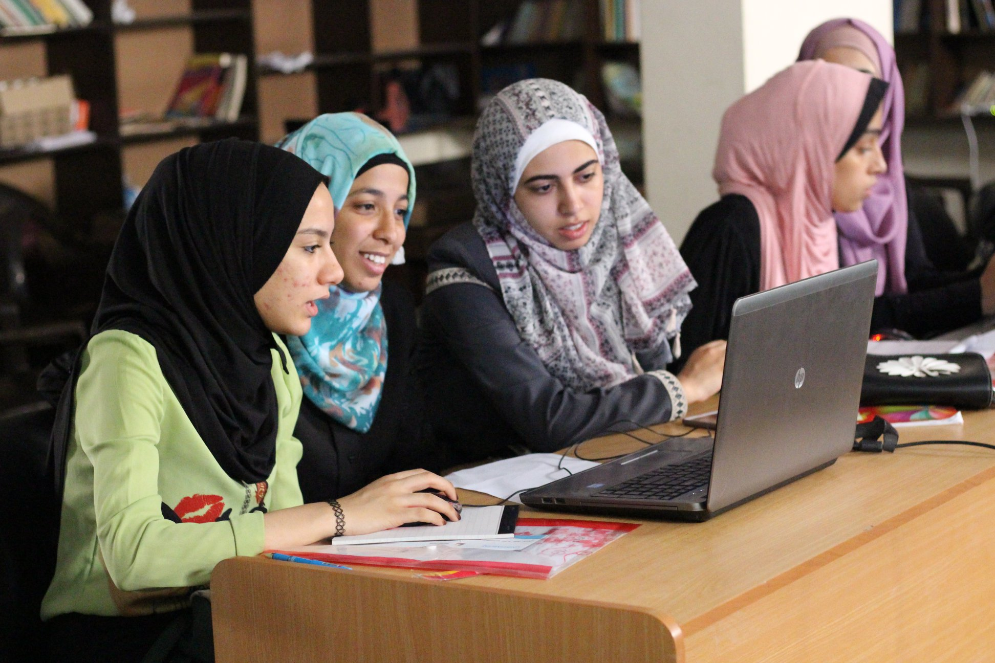 Female participants at the Al-Zawayada workshop worked together in Minecraft. Credit: UN-Habitat