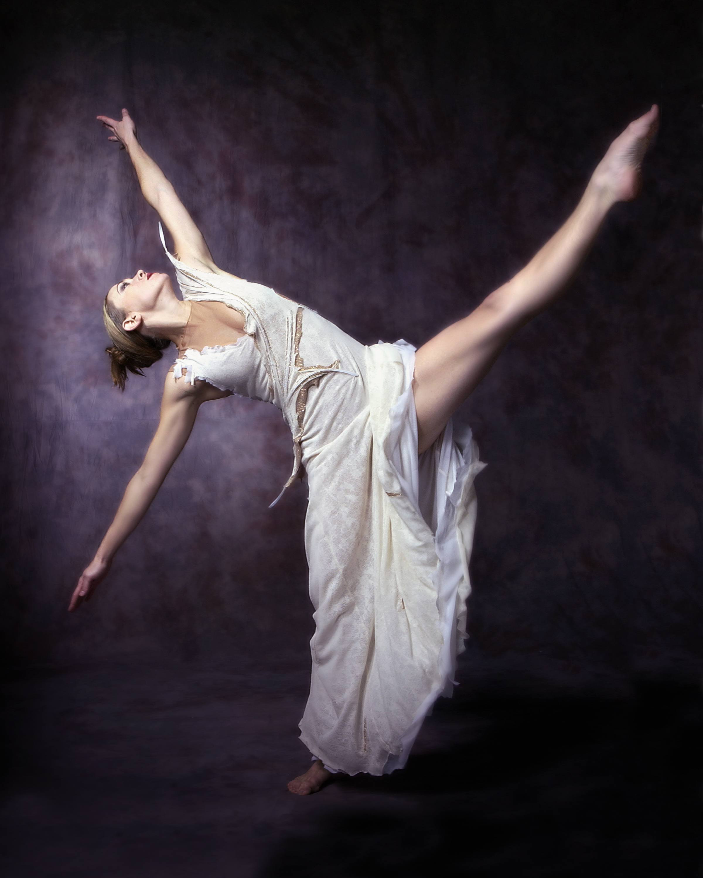 PHOTO: DESIREE DUNBAR BY GREG EHLERS COURTESY DANCERS DANCING