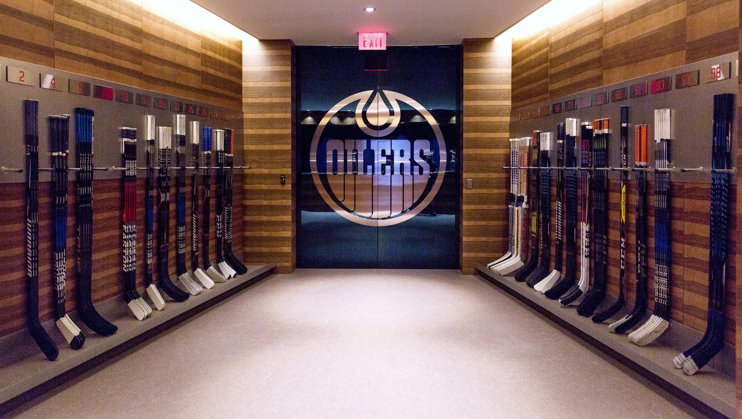 Edmonton Oilers-4933.jpg