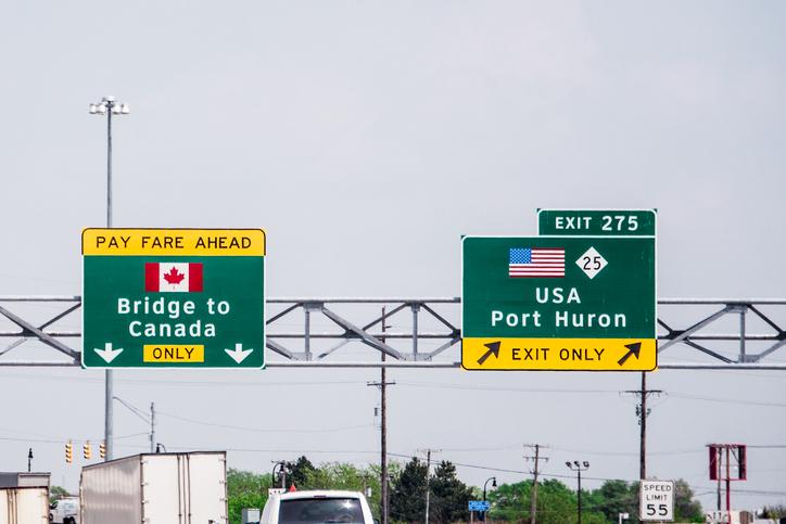 Bridge-to-Canada-Sign-609906378_727x485.jpeg