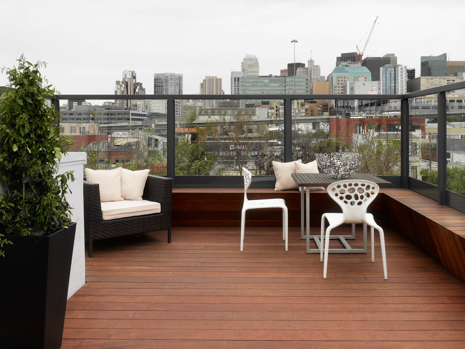G U South Park roof deck 9648.jpg
