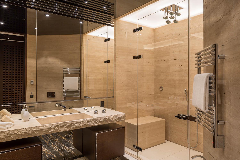 Master_Bath_9920.jpg
