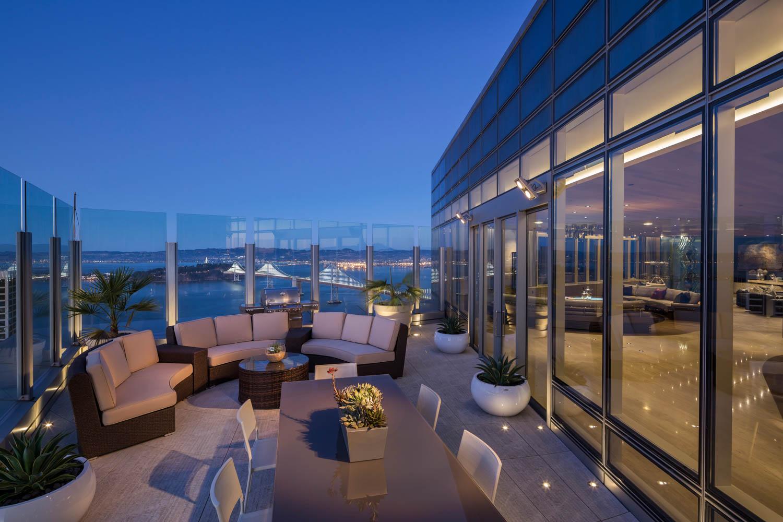 Terrace_Night_East_9837.jpg