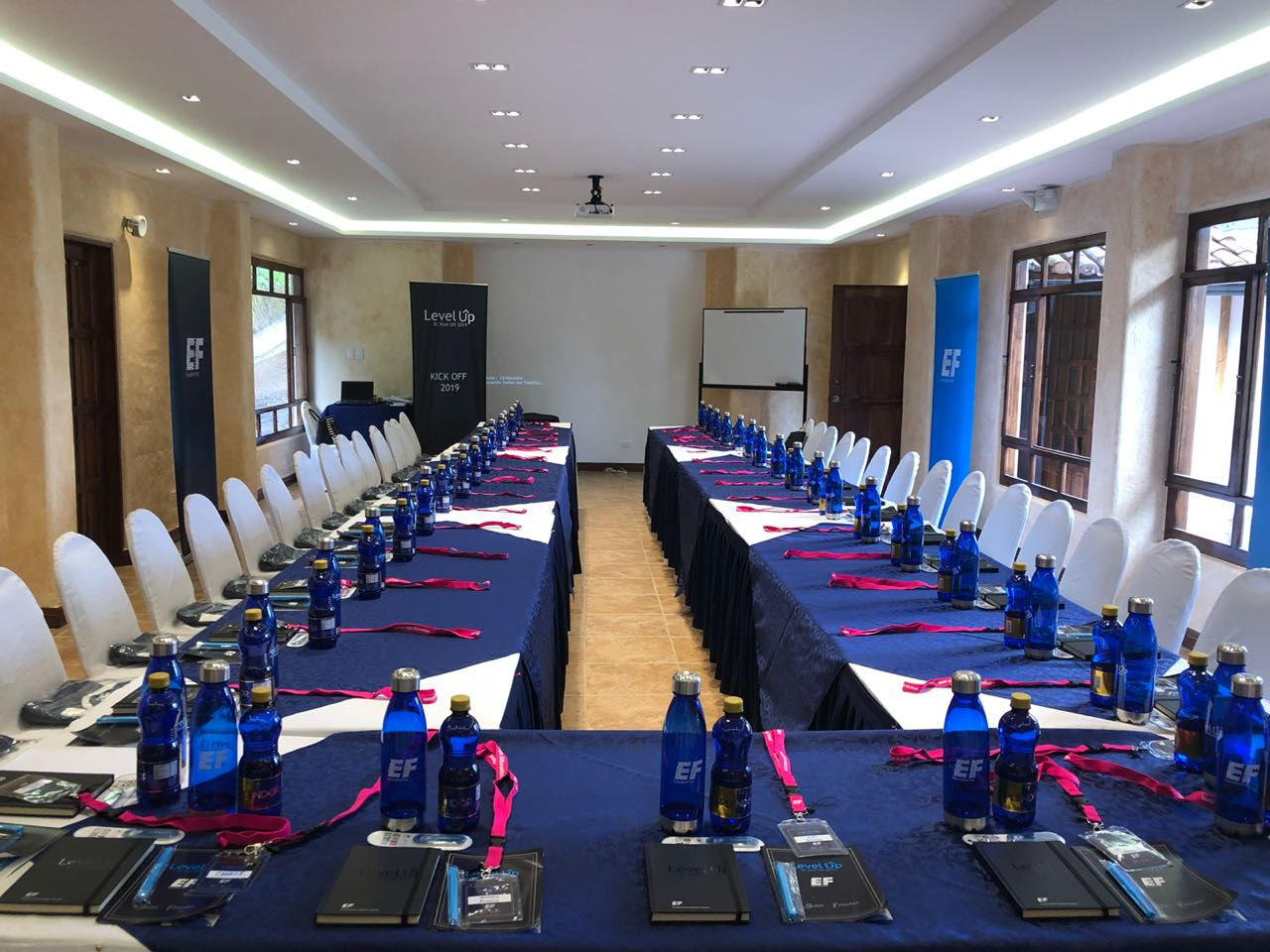 CONFERENCE ROOM - Capacity: 60 people.Far from the noise, green and spacious spaces and the tranquility of being safe in a warm environment with multiple adventure activities and SPA.