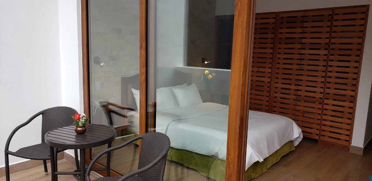Hab. 4 - Piso 3   - 1 cama de 2 plazas y media (1,55 x 2m) + TV + terraza + baño privadoSala, comedor y cocina compartidos2 personas: $85