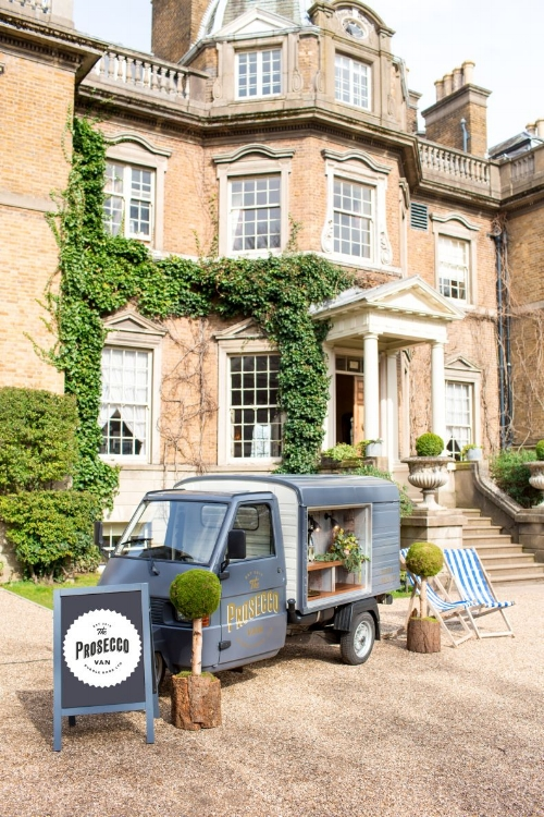 Bubbles on the Go! - Expect food trucks, pizza ovens and even spit roasts with G&T and craft beer vans parked up alongside them. Have you seen the BubbleBros? Prosecco vans you can hire! I'm loving this concept!