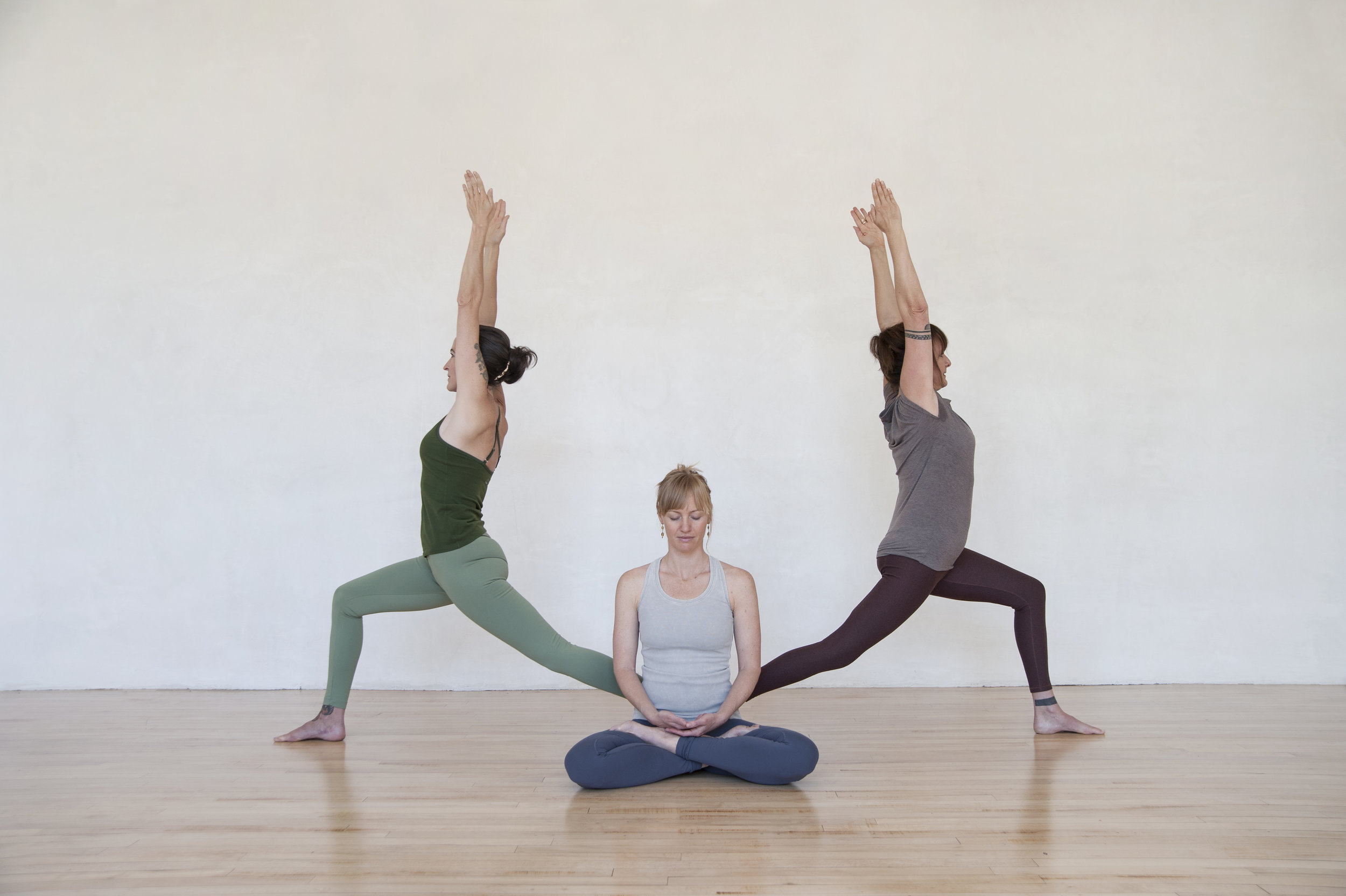 virabhadrasana_color01.jpg