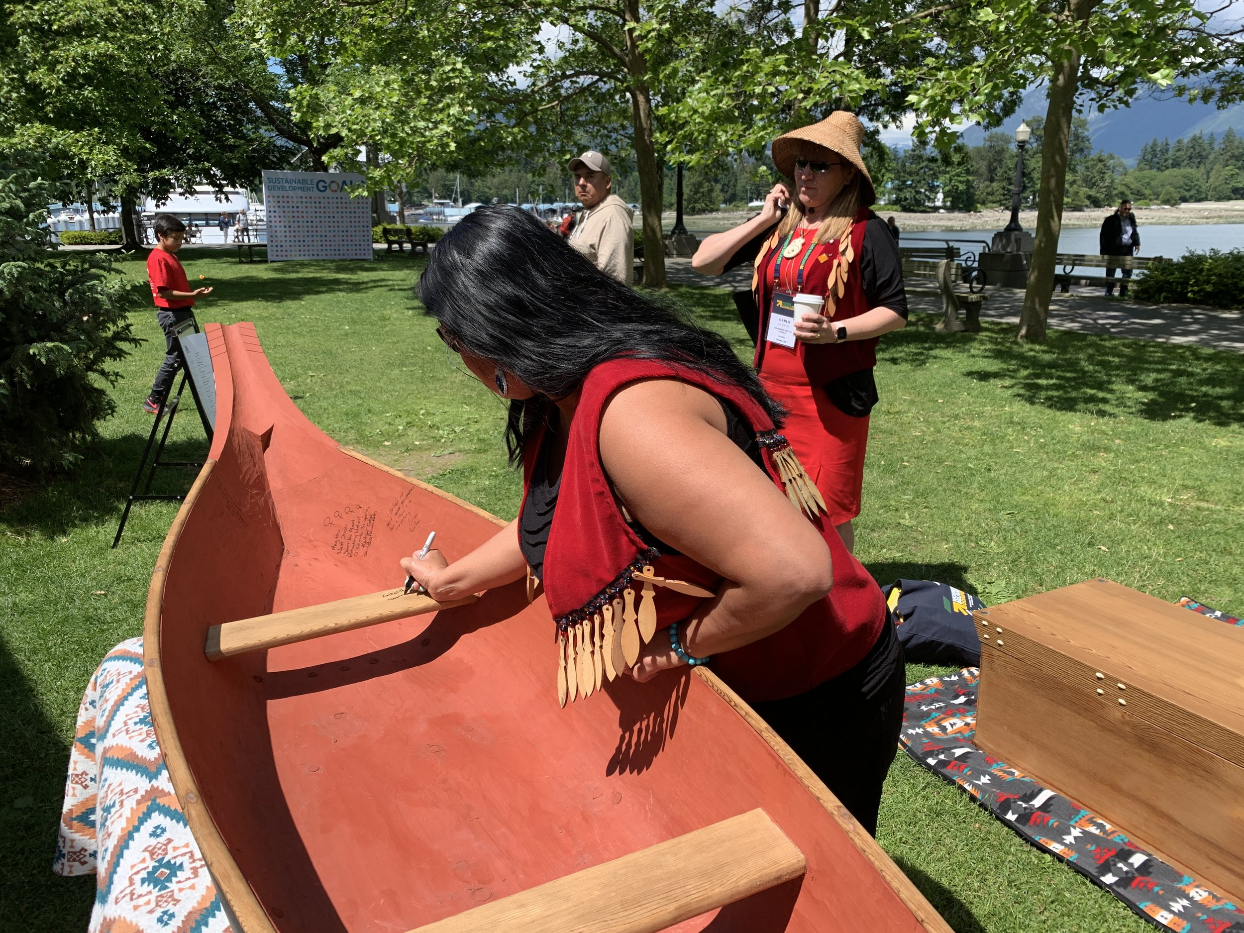 At the Longhouse Dialogues, Deanna Lewis from the Squamish Nation Council joins the many prominent women who have signed the Women's Honour Canoe and leaves a personal message.