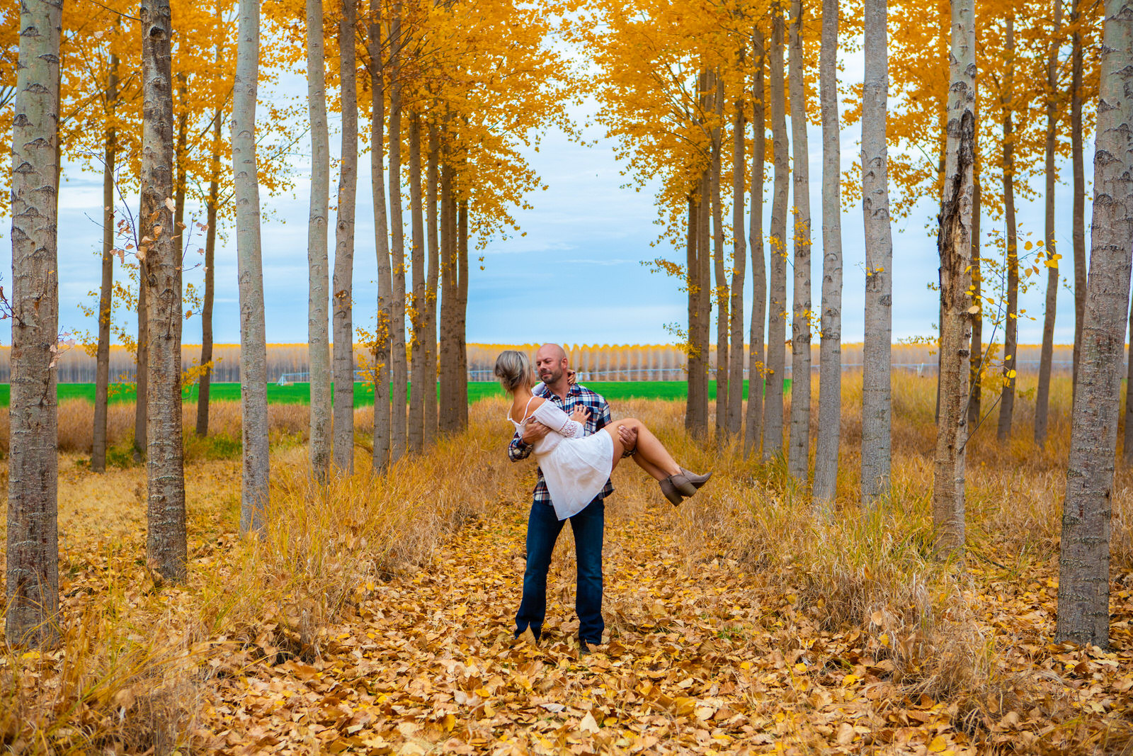 Rachel & Cyle Boardman Tree Farm98-2.jpg
