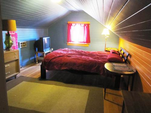 Come stay with me in North Portland through Airbnb!
