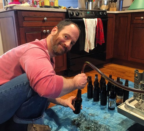 Andy bottling the vanilla porter a few weeks ago. Laura sent me a photo...
