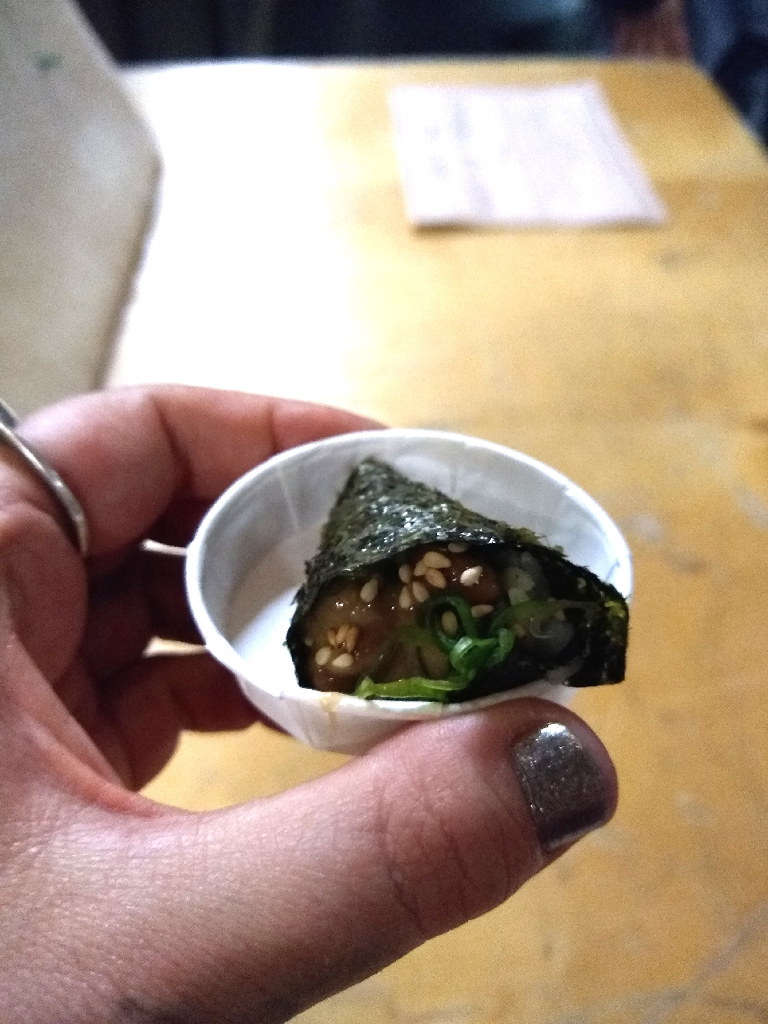 Aaaand a closeup of the crazy tasty Wanpaku Natto mini temaki ;)