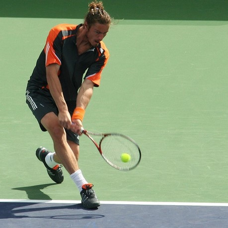 Marat Safin two-handed backhand.jpg