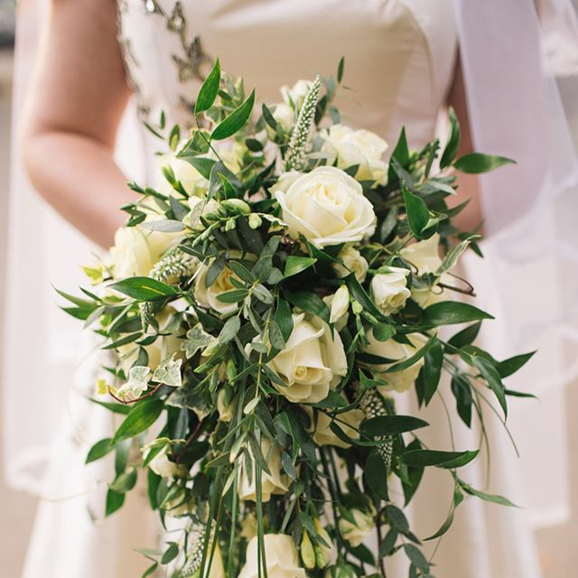 There are so many different styles of bouquets. Can you name them all?? 👇👇