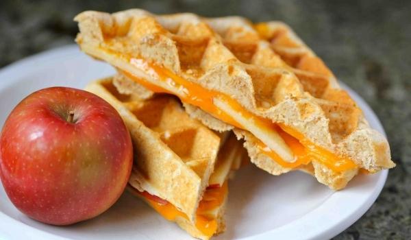 waffle_sandwich_02_023011.jpg