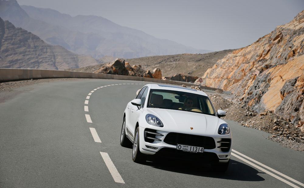 2014-Porsche-Macan-15.jpg