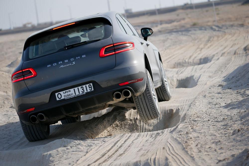 2014-Porsche-Macan-11.jpg
