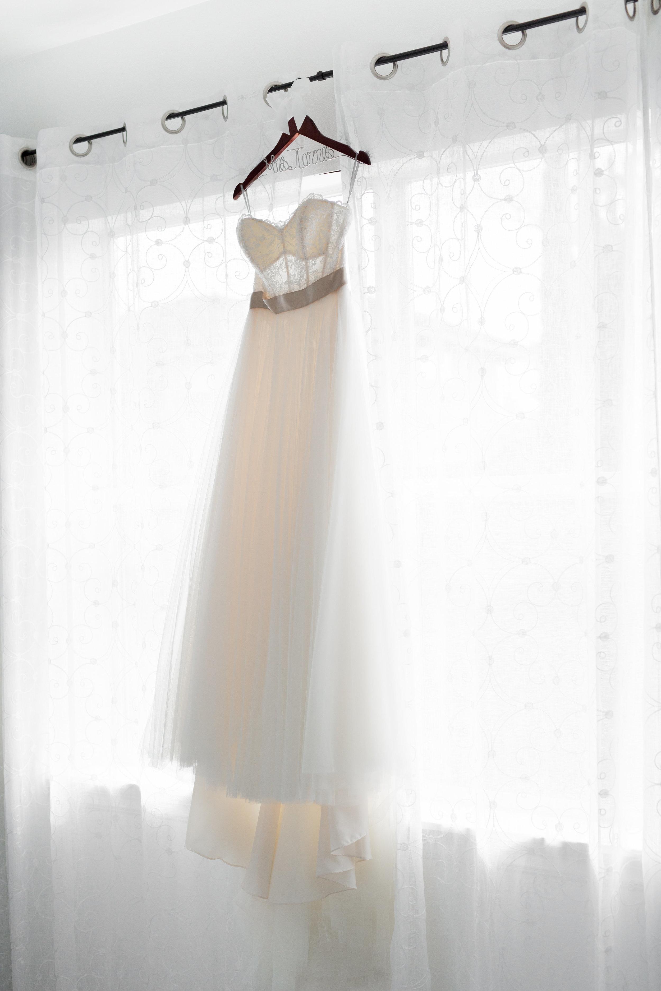 Ivy Jacob Wedding-Getting Ready-0011.jpg