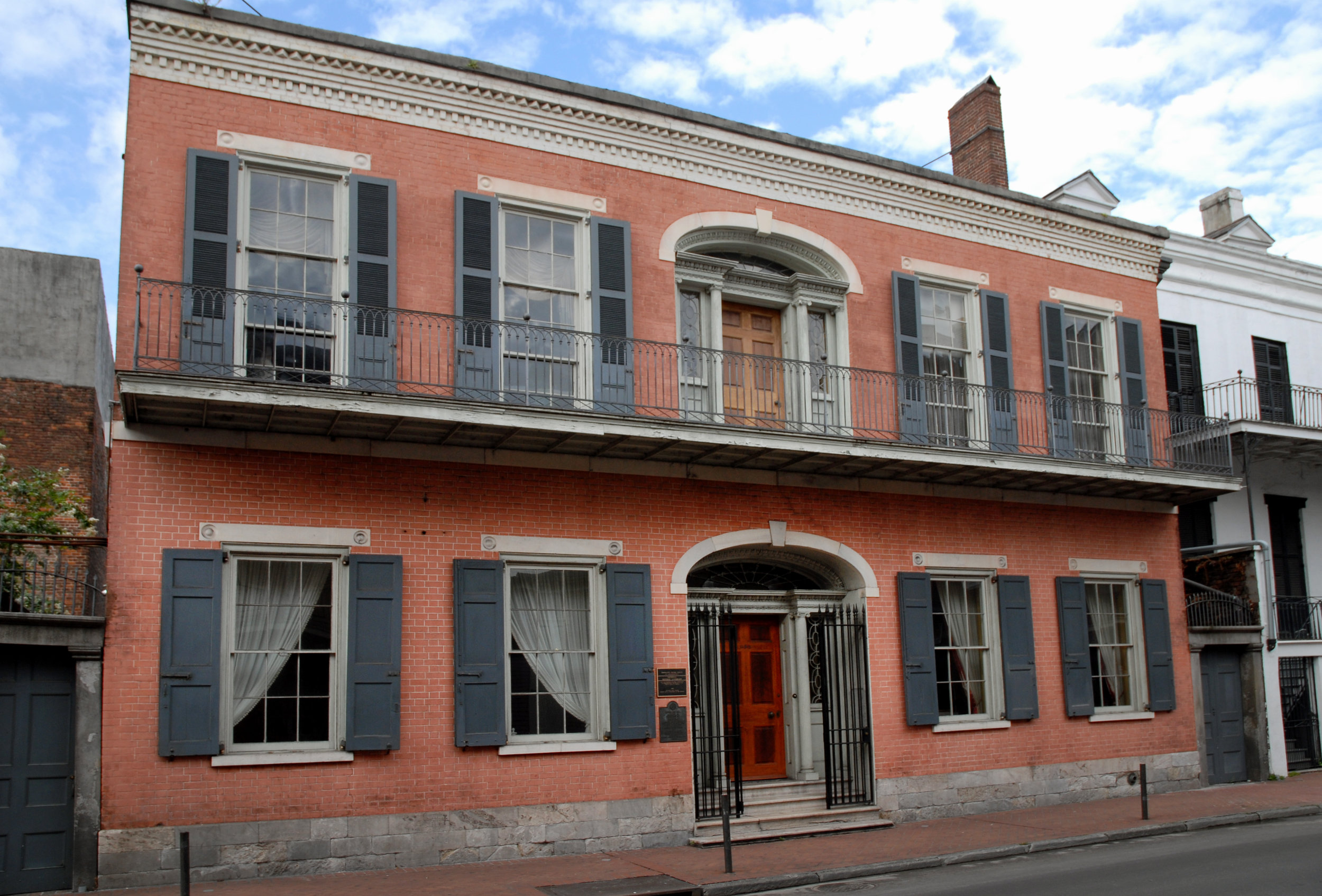 Hermann-Grima House - HoursThursday – Tuesday 10am – 4pmScheduled Tour TimesThursday - Tuesday10 am, 11 am, 12 pm, 1 pm, 2 pm, 3 pm (and by appointment)Closed on Wednesday Open by appointment for groups of 25 or more Exchange Shop HoursDaily 10 am – 4pm