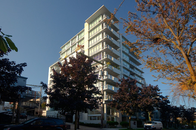 SOLD403 1530 W 8th AVE$659,000 -