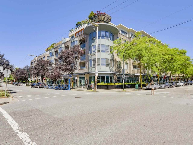 SOLD506 - 1688 CYPRESS ST$868,000 -