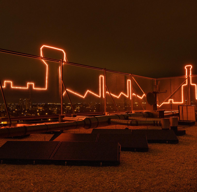 Installation à énergie positive, LEDs + panneaux photovoltaïques