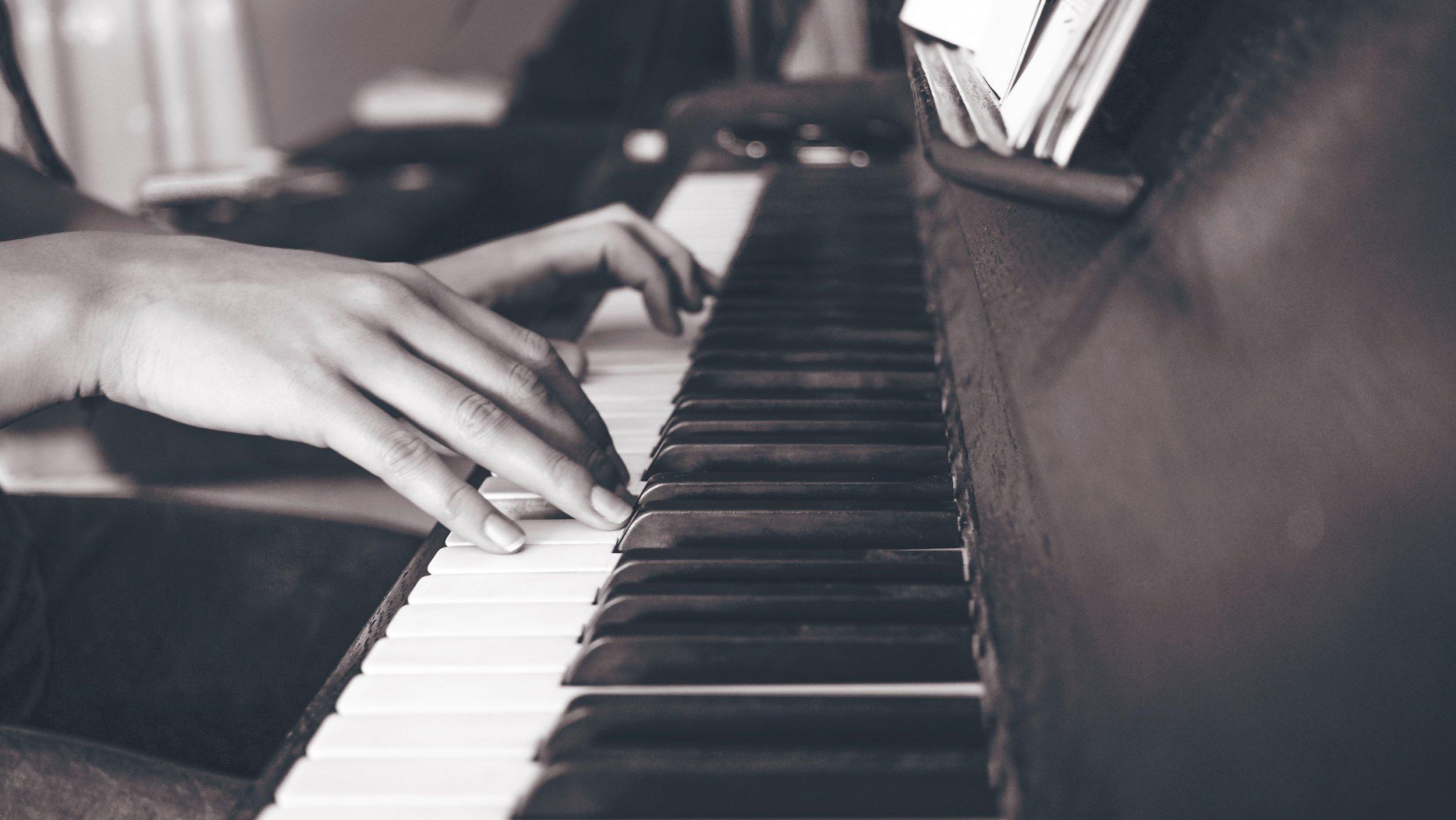 Keyboard & Piano -