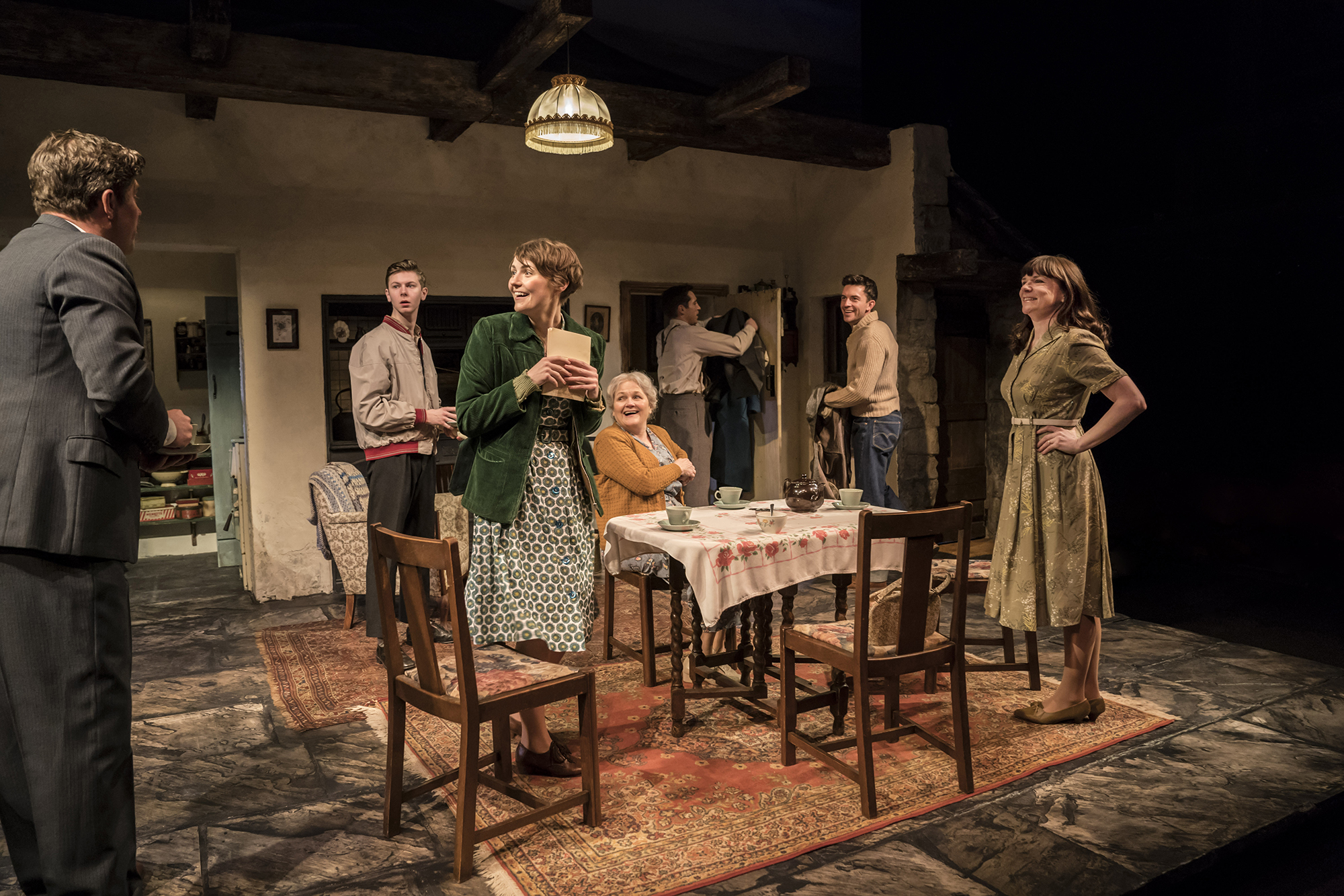The company in The York Realist at the Donmar Warehouse, directed by Robert Hastie. Photo by Johan Persson 11919.jpg