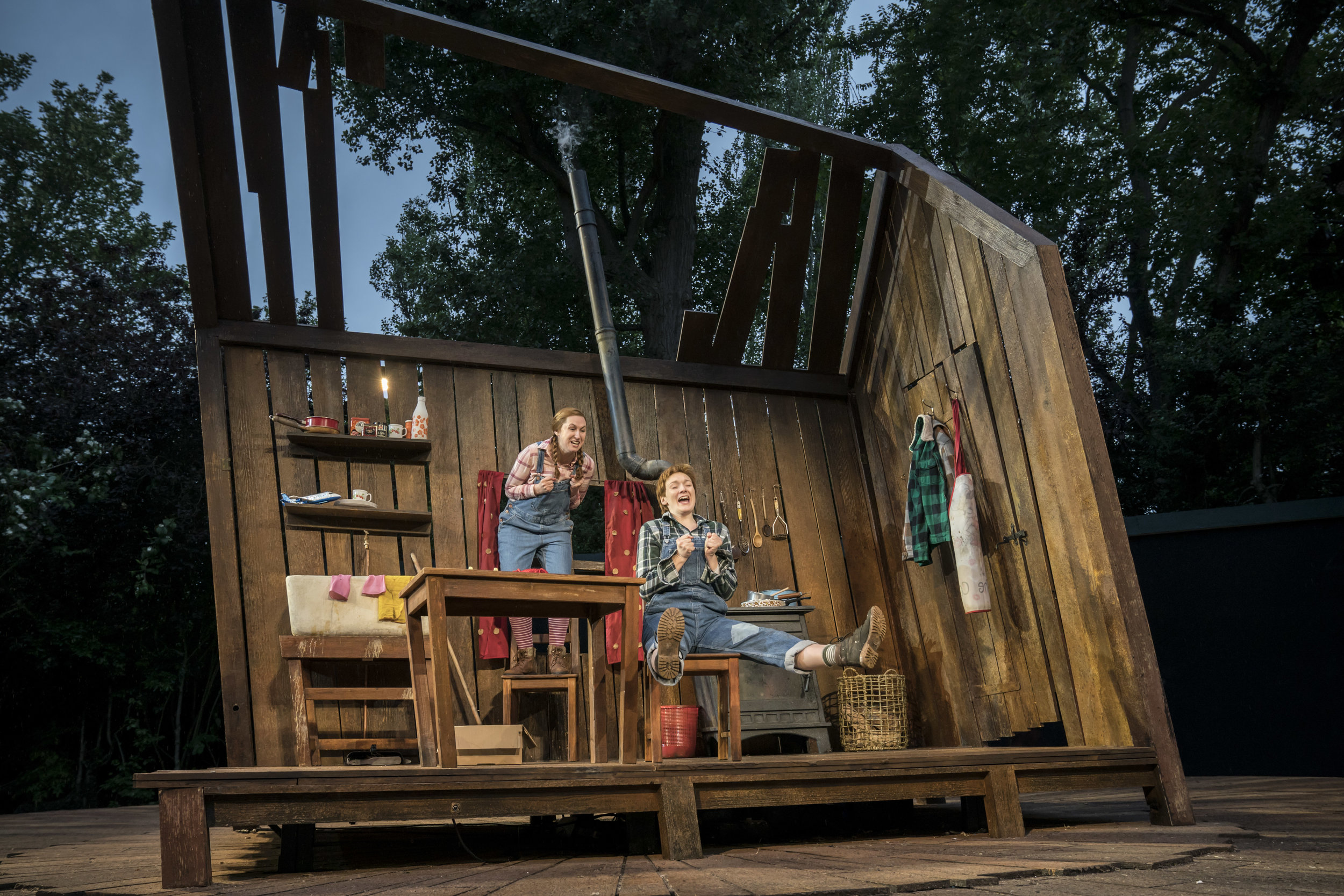 Elizabeth Karani and Heather Lowe as Gretel and Hansel. Photo Johan Persson..jpg