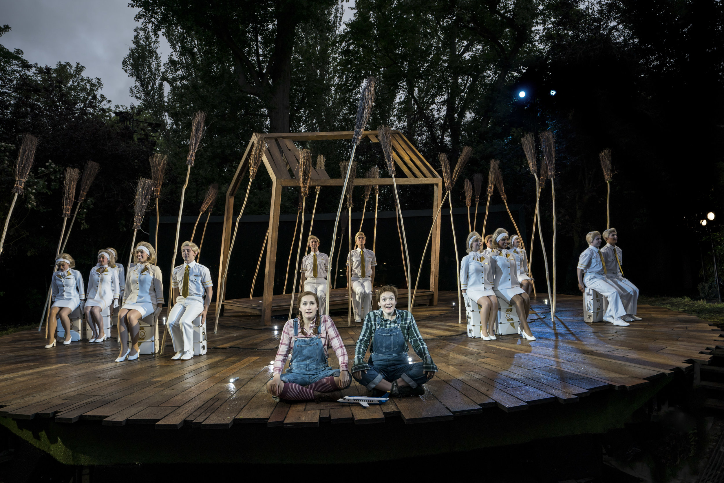 Elizabeth Karani and Heather Lowe as Gretel and Hansel and Company. Photo Johan Persson..jpg