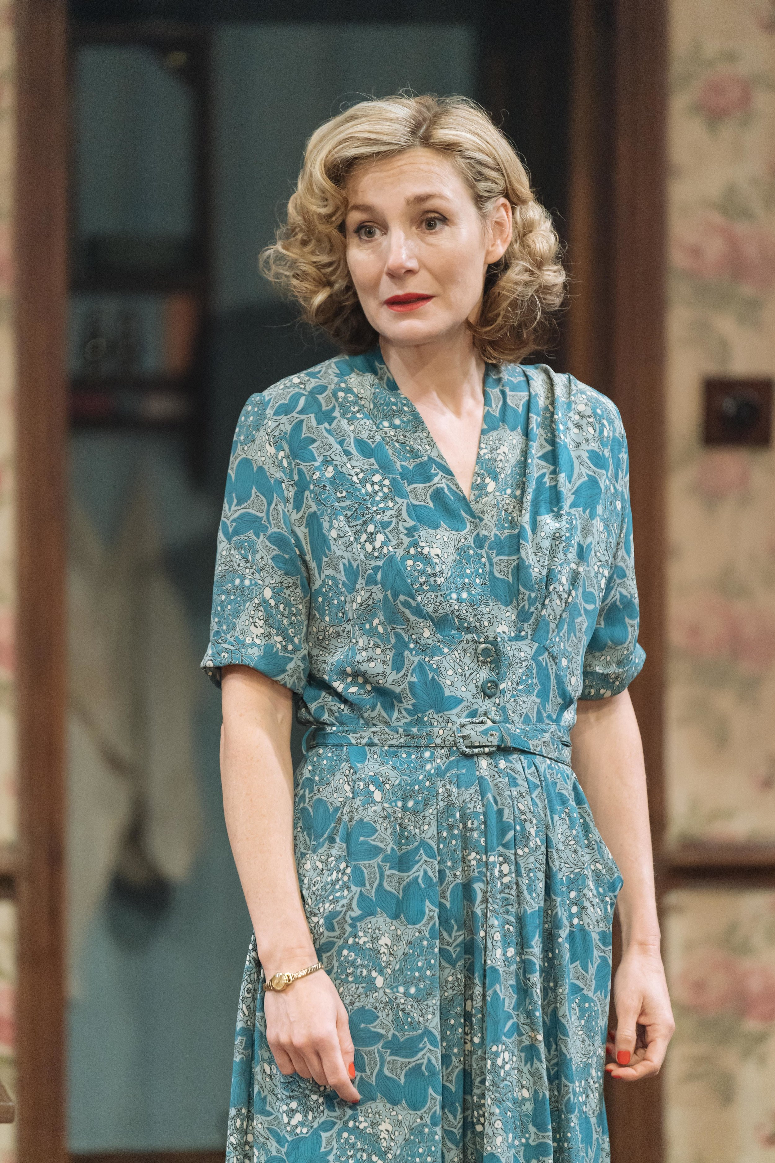 Nancy Carroll (Hester) in THE DEEP BLUE SEA at Chichester Festival Theatre. Photo Manual Harlan_112.jpg