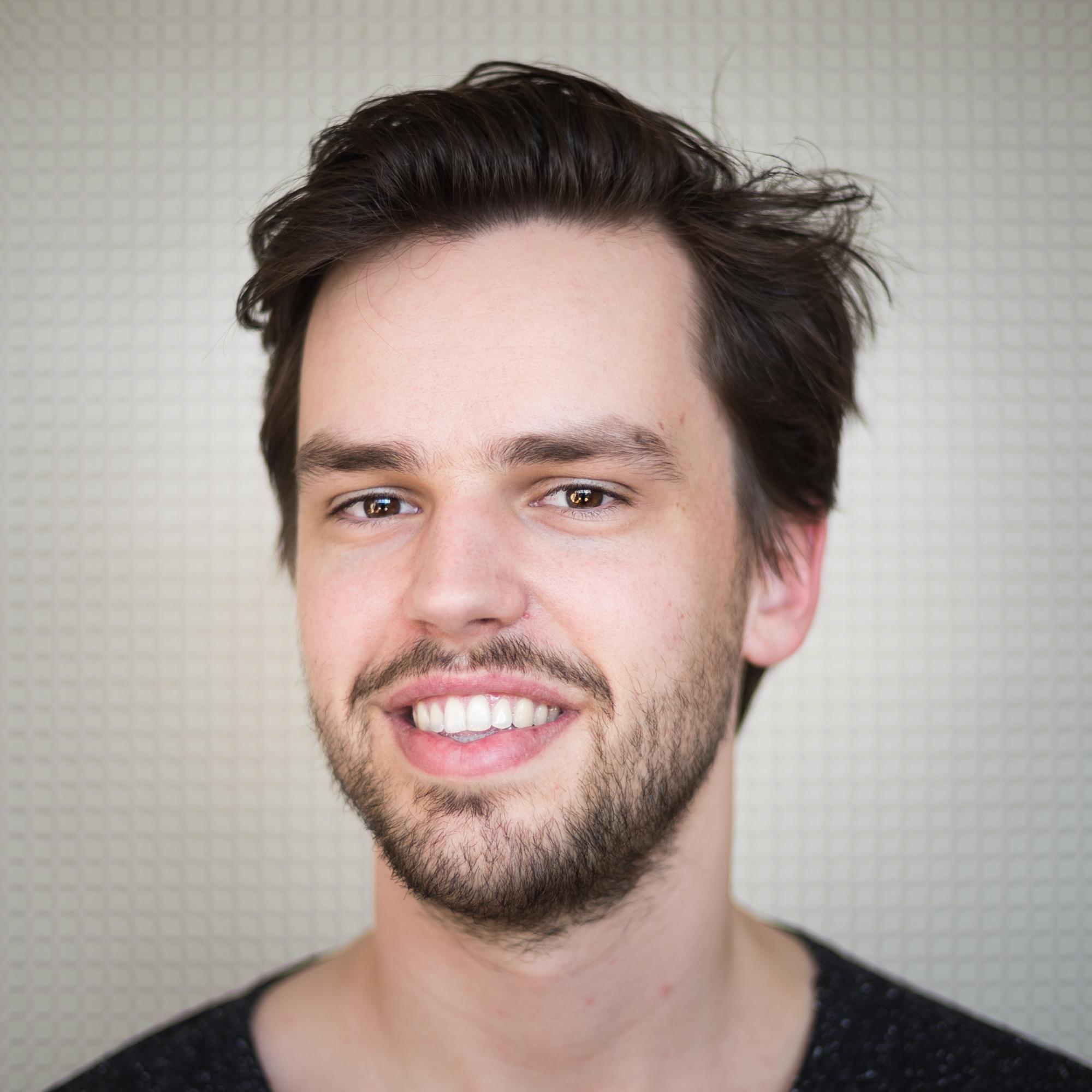 Erik, editor