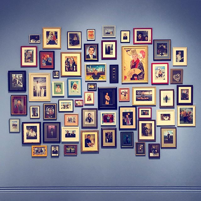 A selection of @martinparrstudio's 'autoportraits', the original selfie. Don't miss this exhibition of works by the king of kitsch at the @nationalportraitgallery until 27 May. At a time when the idea of 'Britishness' is under the microscope more than ever, Parr's wry observations could not be more relevant, or grotesque 🇬🇧 . . . . . #martinparr #onlyhuman #onlyhumanmartinparr #nationalportraitgallery #npg #npgfridaylates #photography #photographer #documentaryphotography #anthropology #selfie #photostudio #art #exhibition #inspiration #designspiration #british #britishness #brexit #thingsarrangedneatly