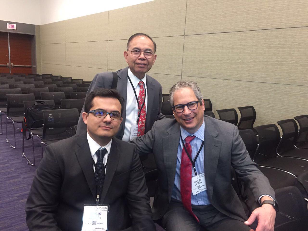 American Urology Association annual meeting. Boston .EEUU. 2017