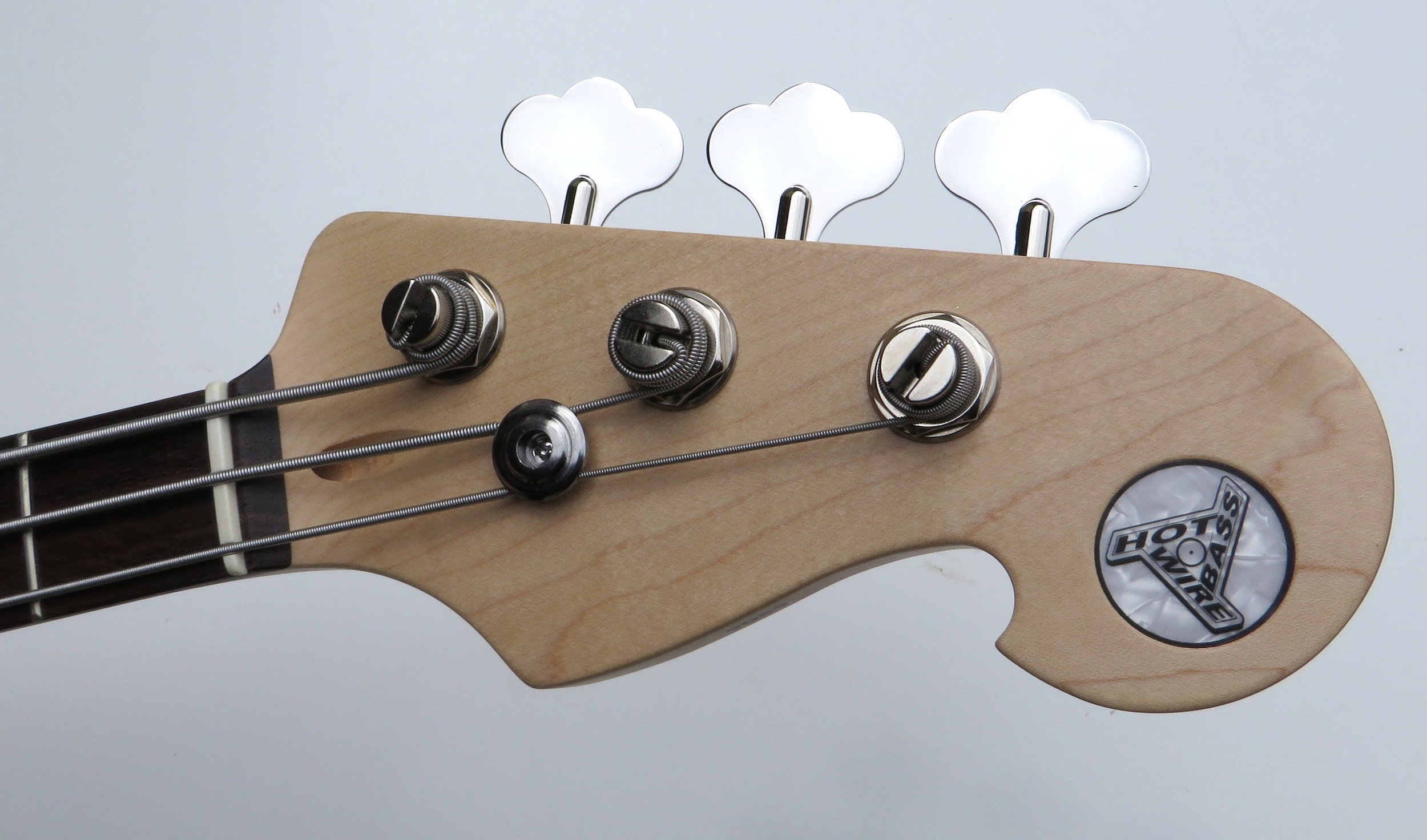 Three strings are enough? - We think so, too.