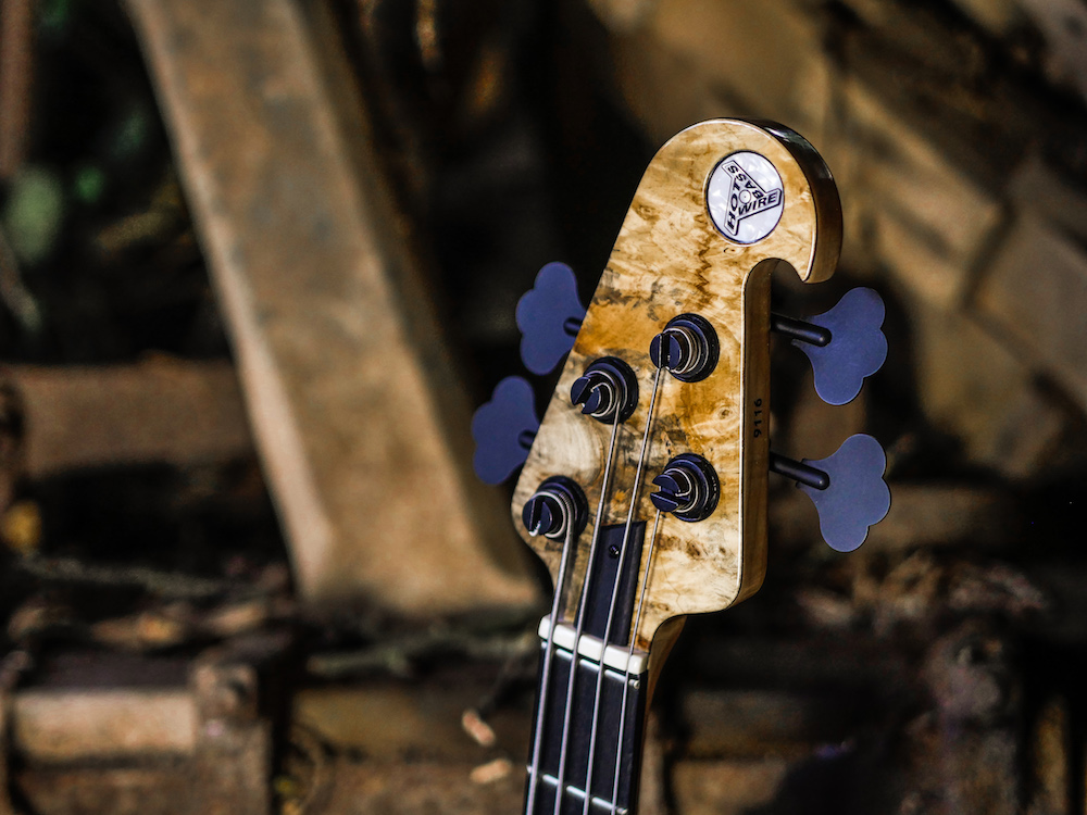 Matching Headstock - To go with the body wood, or body finish.