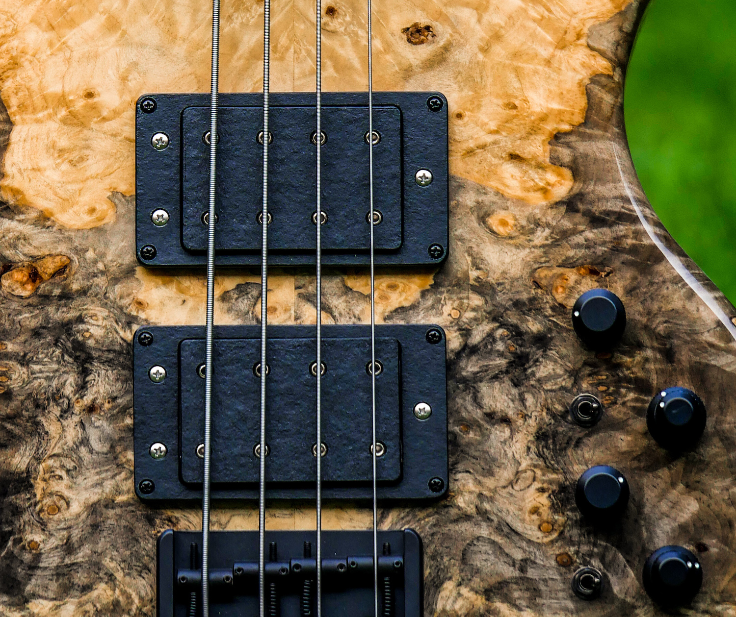 W-Bucker - The repair of a defective Wal pickup brought us the W-BUCKER! W like